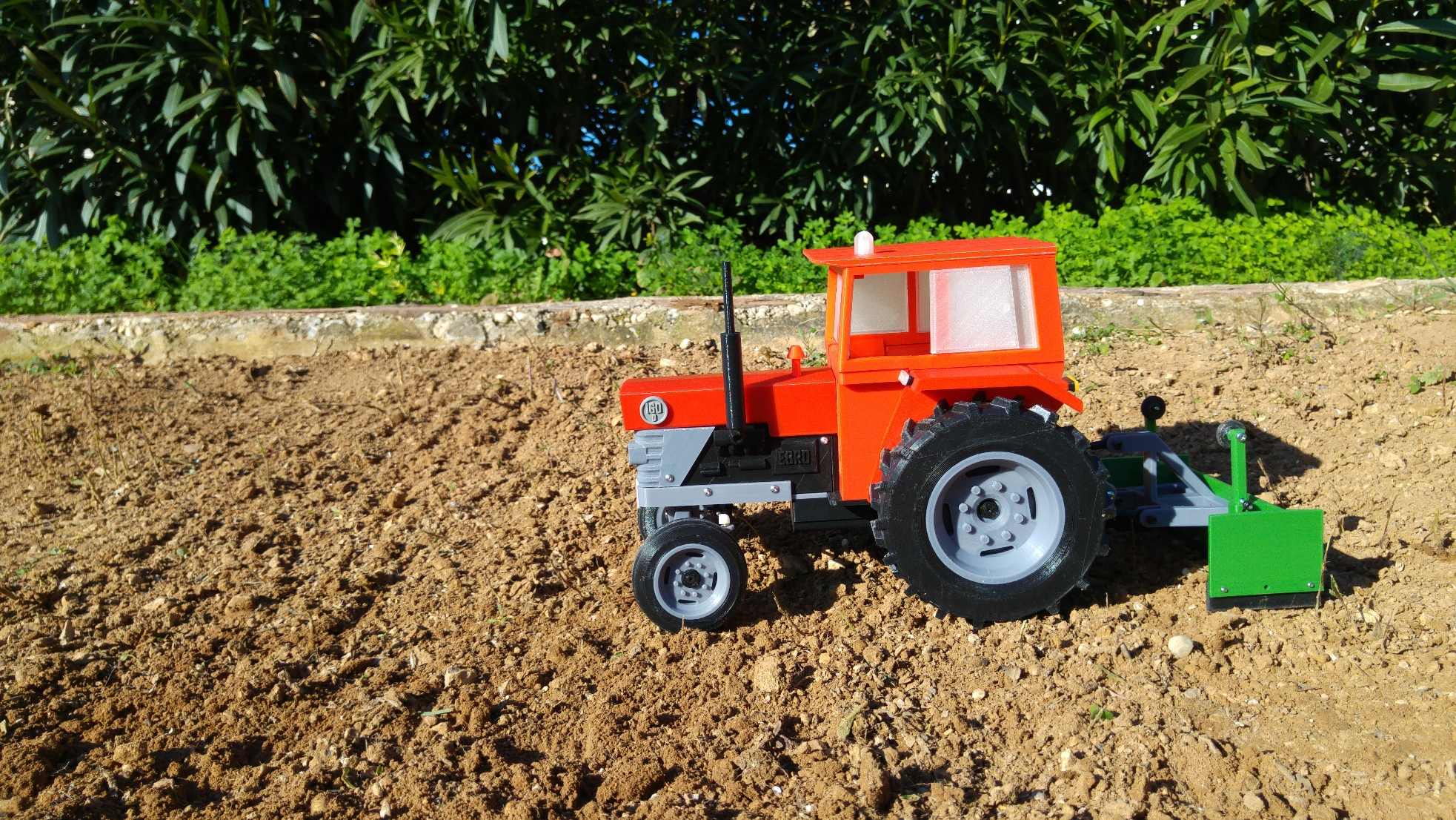 OpenRC Tractor Leveler Side